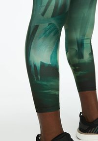 OYSHO_SPORT - Leggings - green - 4