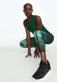 OYSHO_SPORT - Leggings - green - 2