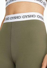 OYSHO_SPORT - BASIC LOGO STRETCH WAISTBAND LEGGINGS - Legginsy - khaki - 3
