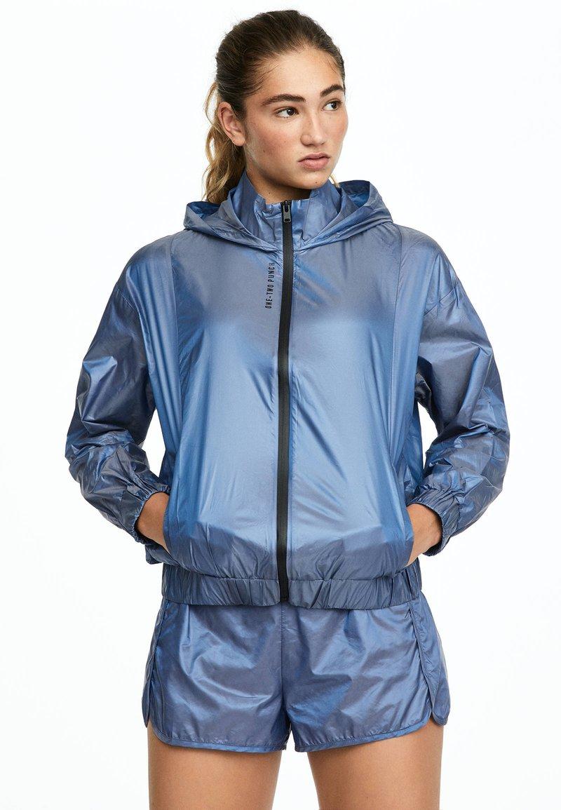 OYSHO_SPORT - Træningsjakker - blue