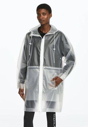 TRANSPARENTER REGENMANTEL - Regnjakke / vandafvisende jakker - white