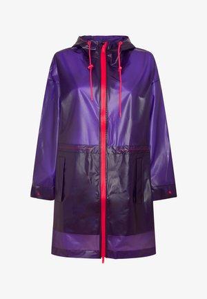 TRANSPARENTER REGENMANTEL - Sadetakki - dark purple