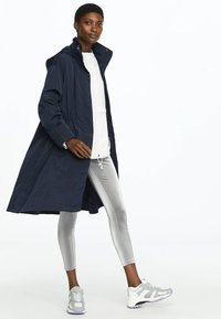 OYSHO_SPORT - WATER-REPELLENT WINDBREAKER 31776222 - Parka - dark blue - 1