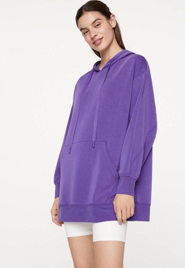 OVERSIZE-SWEATSHIRT AUS WEICHEM STOFF 31793239 - Bluza z kapturem - dark purple