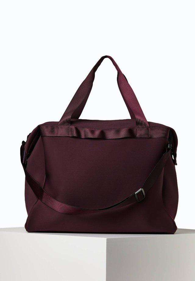 XL-SPORTTASCHE 14110580 - Sportovní taška - dark purple