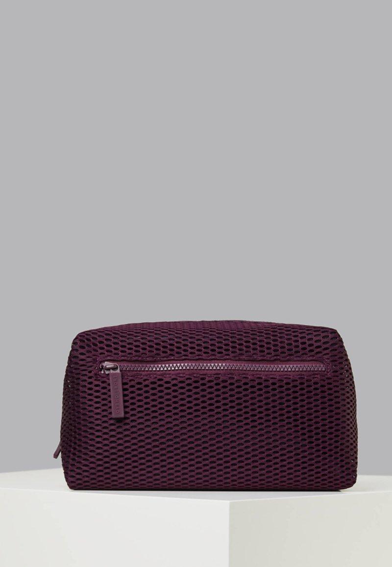 OYSHO_SPORT - Kosmetiktasche - dark purple