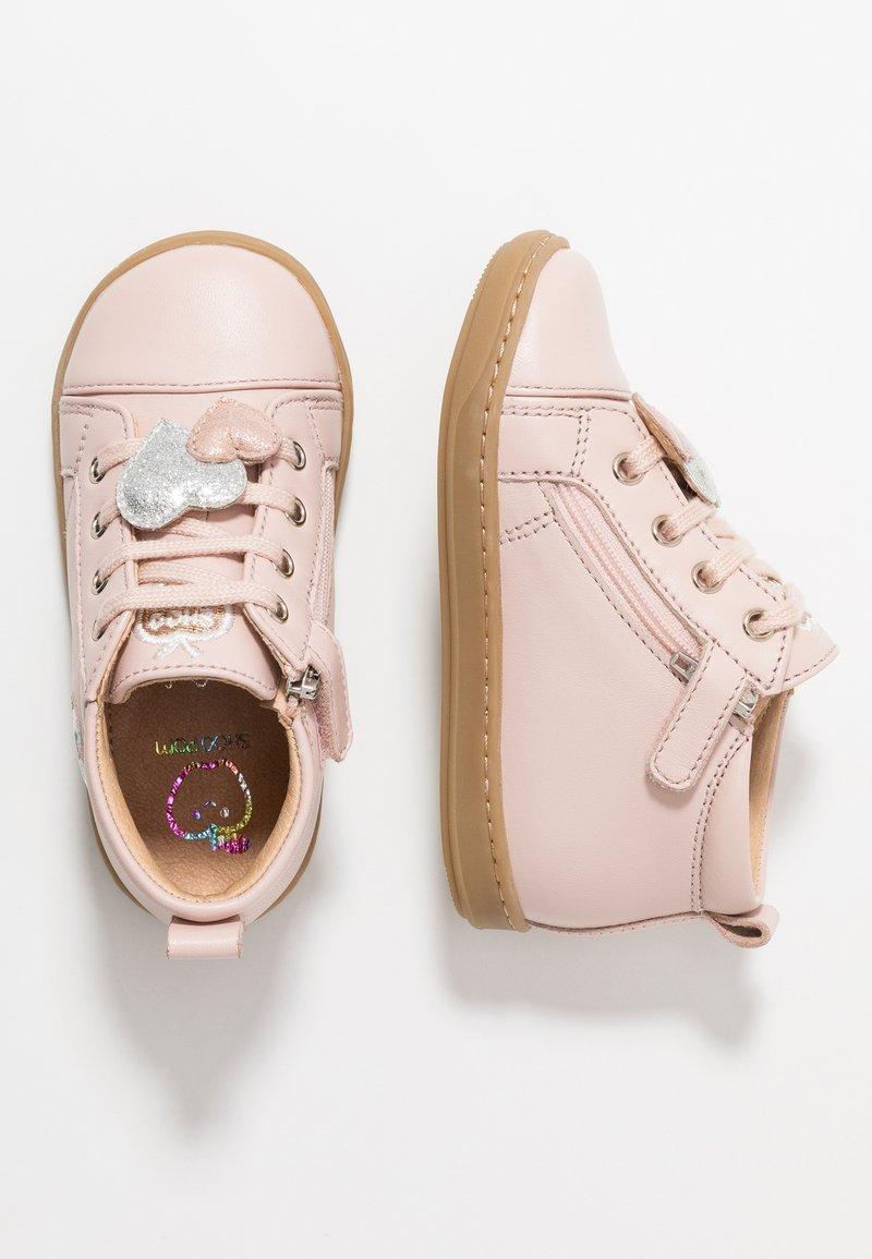 Shoo Pom - BOUBA HEART - Baby shoes - light pink/silver