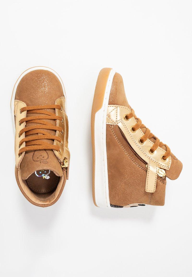 Shoo Pom - DUDE PANDA - Sneakers hoog - camel/gold