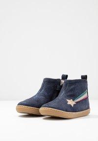 Shoo Pom - BOUBA HALLEY - Classic ankle boots - blue/multicolor - 3