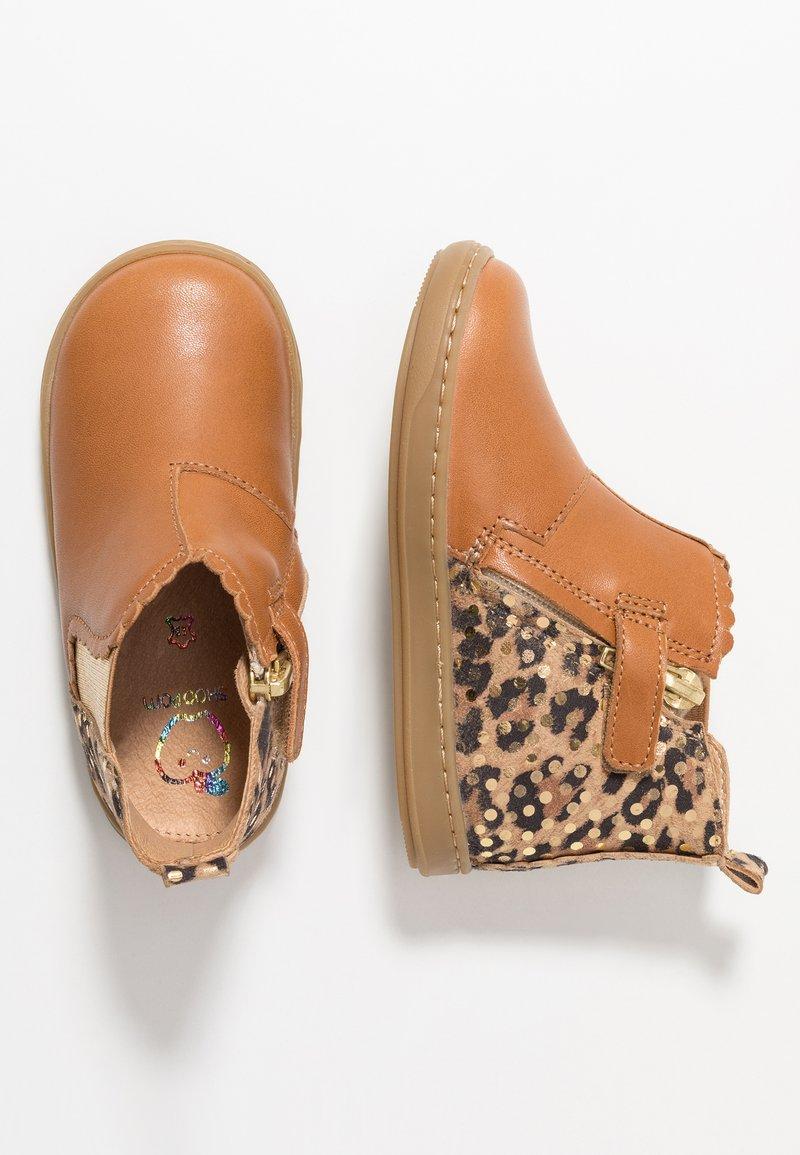 Shoo Pom - BOUBA JODZIP - Classic ankle boots - camel/gold