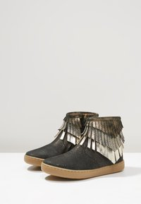 Shoo Pom - PLAY HURON - Classic ankle boots - black/platine multi - 3