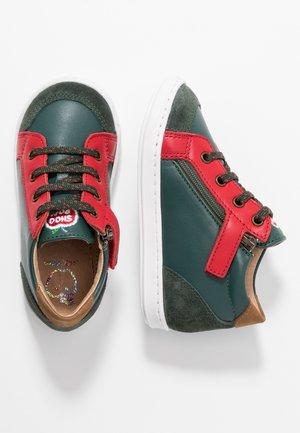 BOUBA ZIP BOX - Baby shoes - pin/red