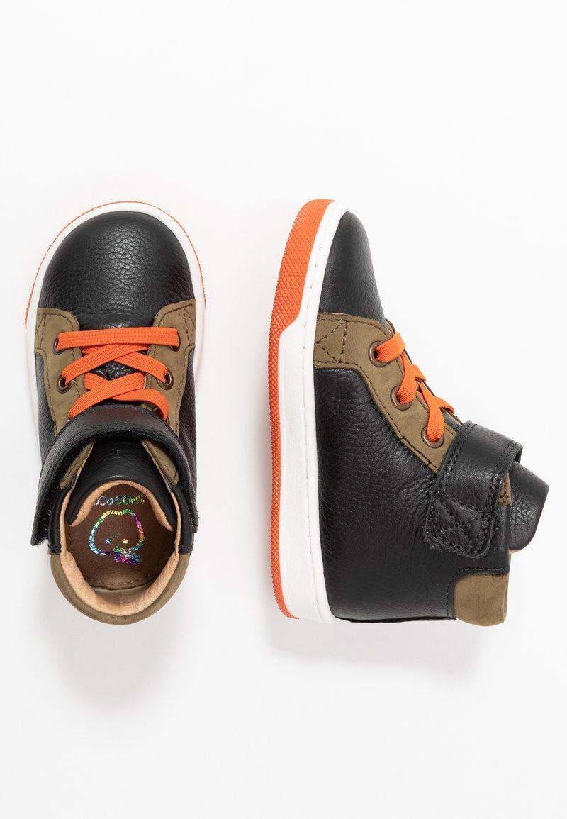 Shoo Pom - DUDE FAST - Baby shoes - black/kaki