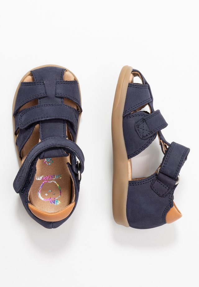 PIKA SCRATCH - Sandales - navy/wood
