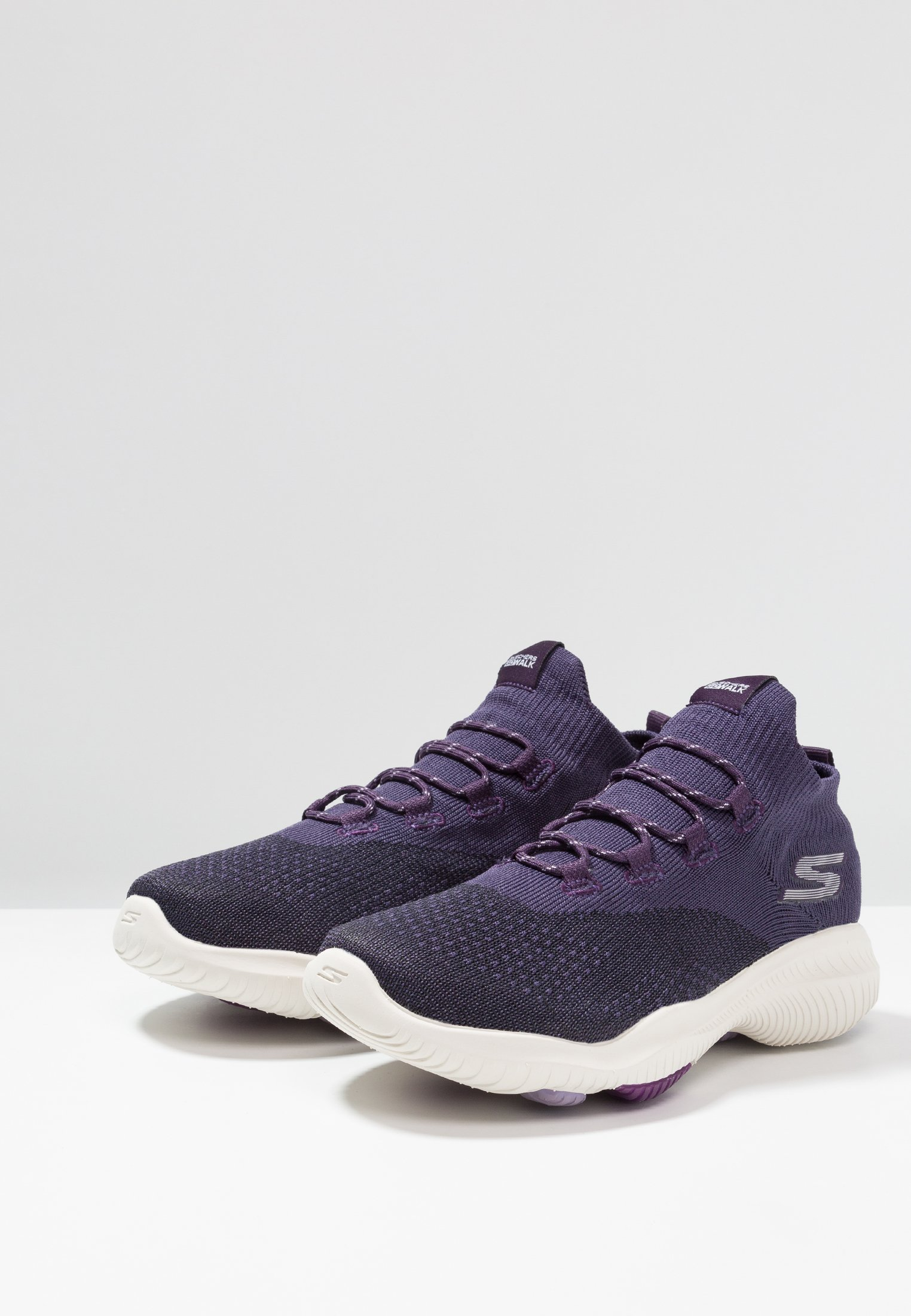GO WALK REVOLUTION ULTRA Promenadskor purple
