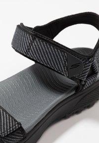 Skechers Performance - OUTDOOR ULTRA - Outdoorsandalen - black/gray - 5