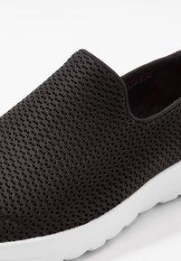 Skechers Performance - GO WALK JOY - Scarpe da camminata - black - 5