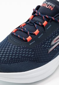 Skechers Performance - GO RUN FAST - Walking trainers - navy/coral - 5