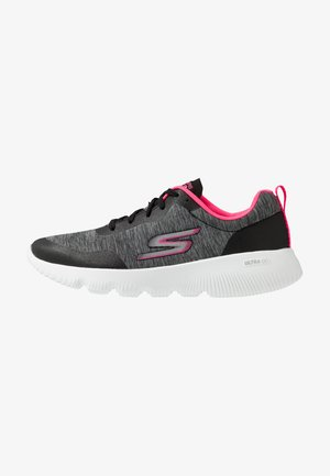 GO RUN FOCUS - Chaussures de course - black/hot pink