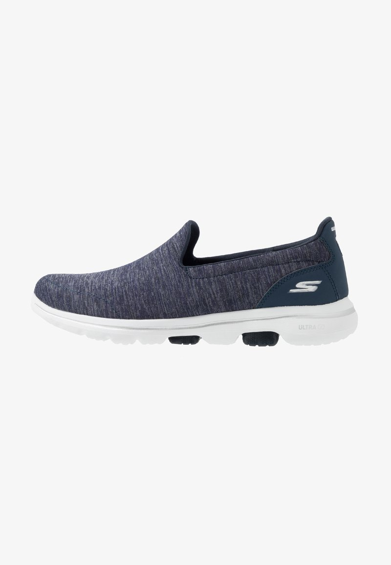 Skechers Performance - GO WALK 5 - Sportieve wandelschoenen - navy/white
