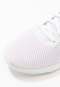 Skechers Performance - GO WALK JOY PARADISE - Zapatillas para caminar - white - 5