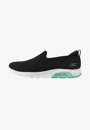 GO WALK AIR - Sportieve wandelschoenen - black/mint