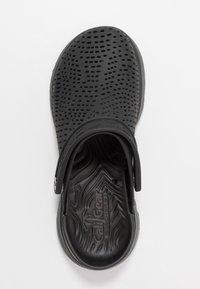 Skechers Performance - GO WALK 5 - Chanclas de baño - black - 1