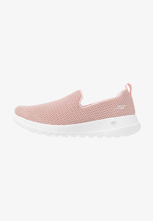 GO WALK JOY - Sportieve wandelschoenen - pink/gold