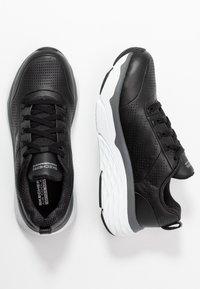 Skechers Performance - MAX CUSHIONING ELITE - Hardloopschoenen neutraal - black/white - 1