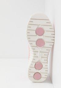 Skechers Performance - GO WALK SMART - Walking trainers - pink - 4