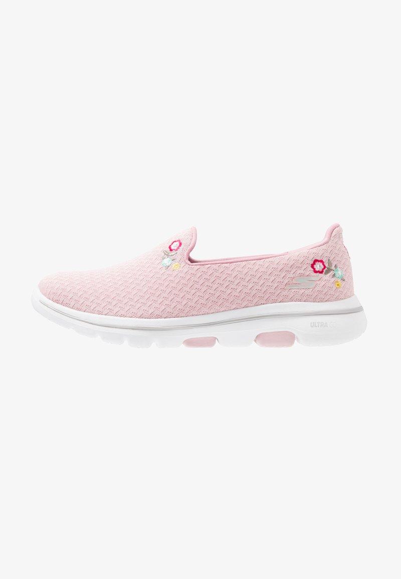 Skechers Performance - GO WALK 5 - Obuwie do biegania Turystyka - pink