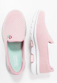 Skechers Performance - GO WALK 5 - Sportieve wandelschoenen - pink - 1