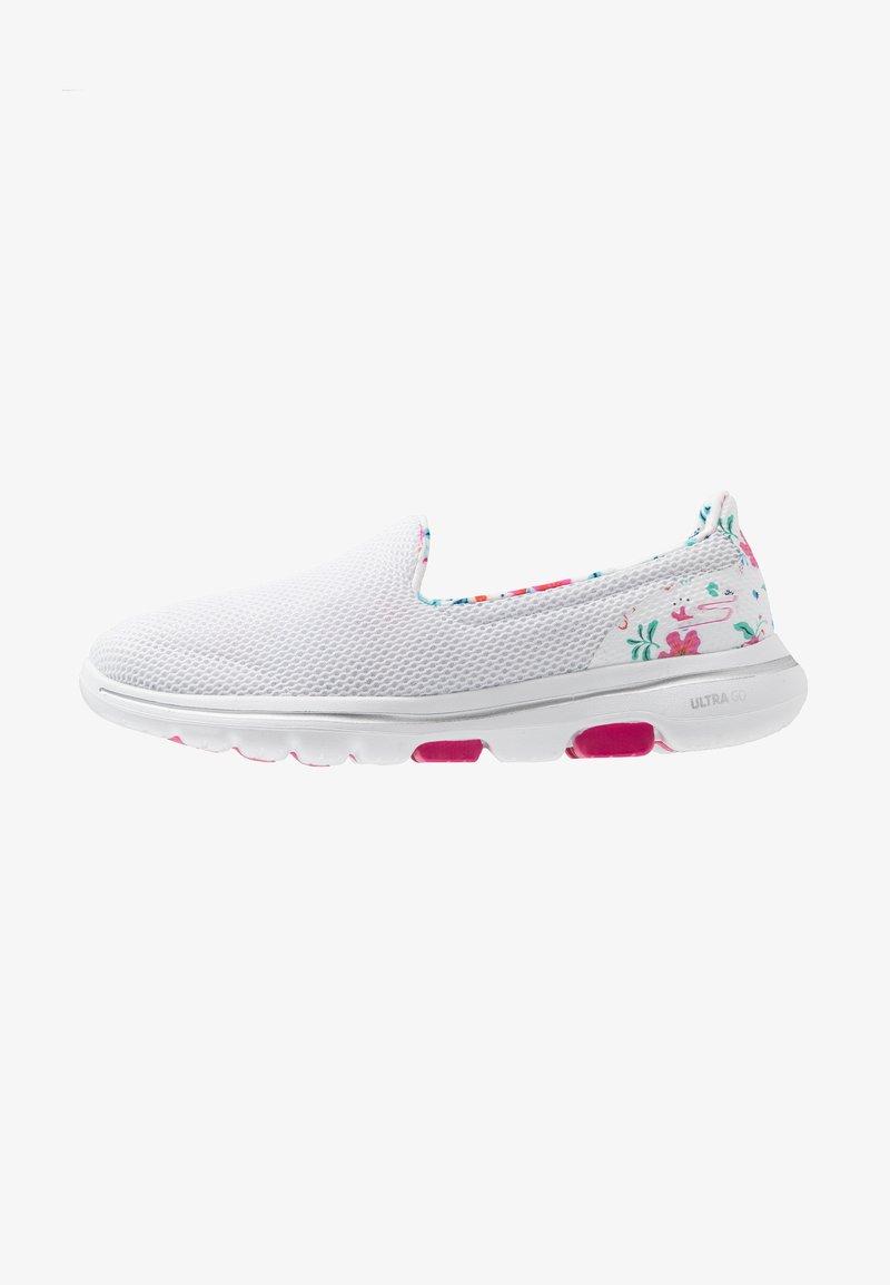 Skechers Performance - GO WALK 5 - Sportieve wandelschoenen - white/multicolor