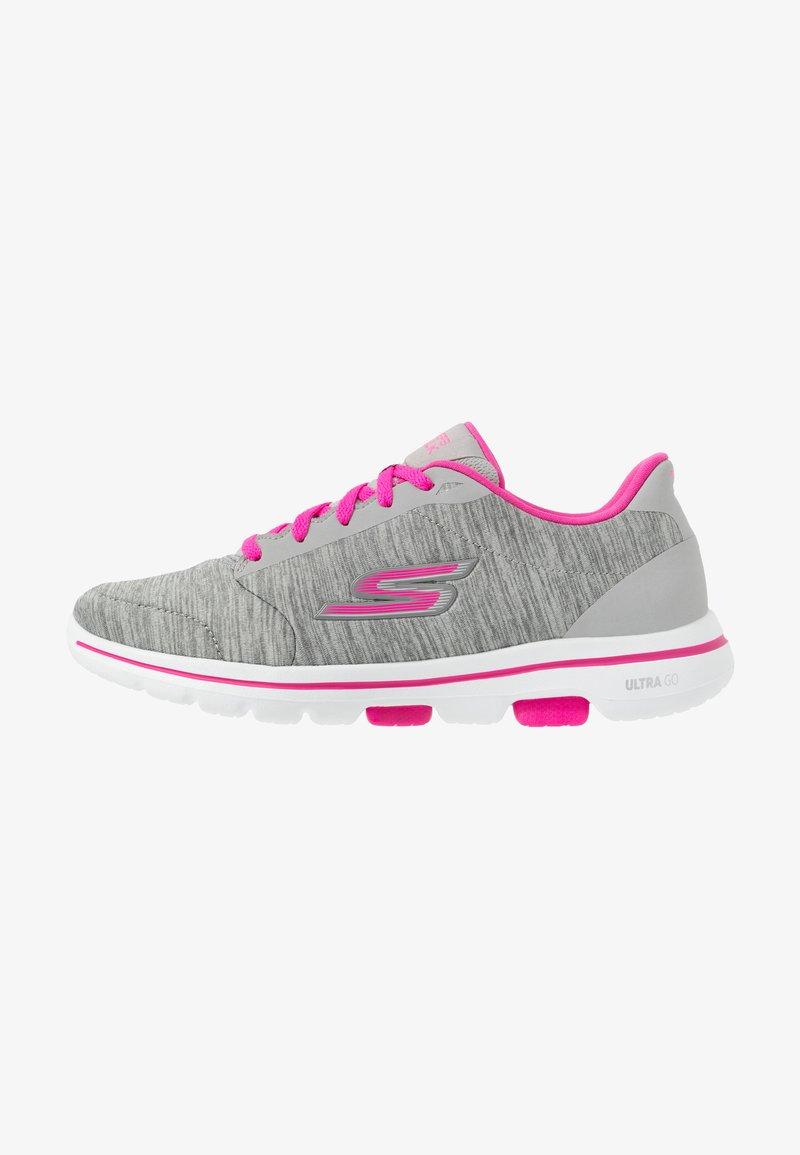 Skechers Performance - GO WALK 5 - Obuwie do biegania Turystyka - gray/pink