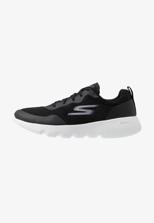 GO RUN FOCUS INSTANTLY - Kävelykengät - black/purple