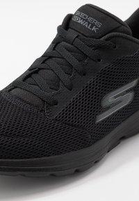 Skechers Performance - GO WALK 5 - LUCKY - Sportieve wandelschoenen - black - 5