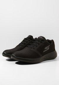 Skechers Performance - GO RUN 600 - REFINE - Obuwie do biegania treningowe - black textile/trim - 2