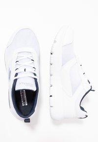 Skechers Performance - GO WALK EVOLUTION ULTRA ENHANCE - Laufschuh Neutral - white - 1