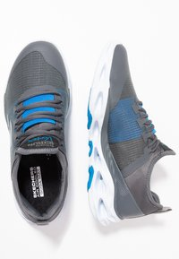 Skechers Performance - GO RUN VORTEX-STORM - Obuwie do biegania treningowe - charcoal/blue - 1