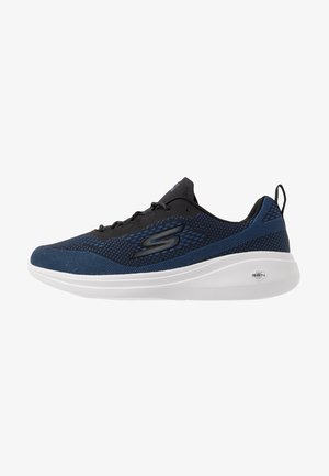 GO RUN FAST ARCO - Neutral running shoes - black/blue