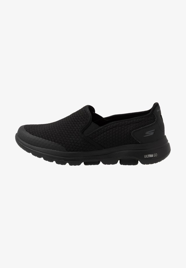 GO WALK 5 APPRIZE - Zapatillas de trail running - black