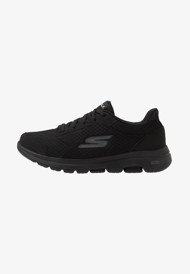 GO WALK 5  QUALIFY - Sports shoes - black