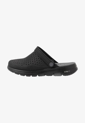 GO WALK 5 - Sandały kąpielowe - black/charcoal