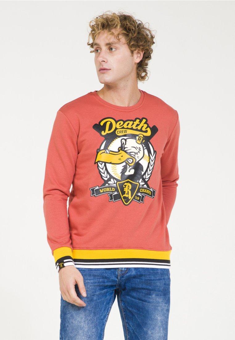 PLUS EIGHTEEN - Sweatshirt - brick-red