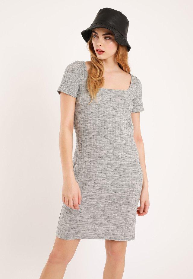 Gebreide jurk - grau