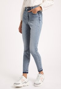 Pimkie - Jeans Skinny - washed out blue - 0