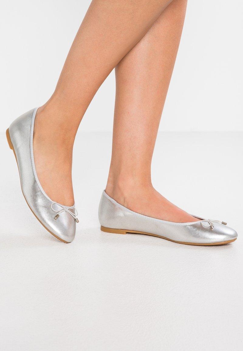 PARFOIS - Ballet pumps - silver