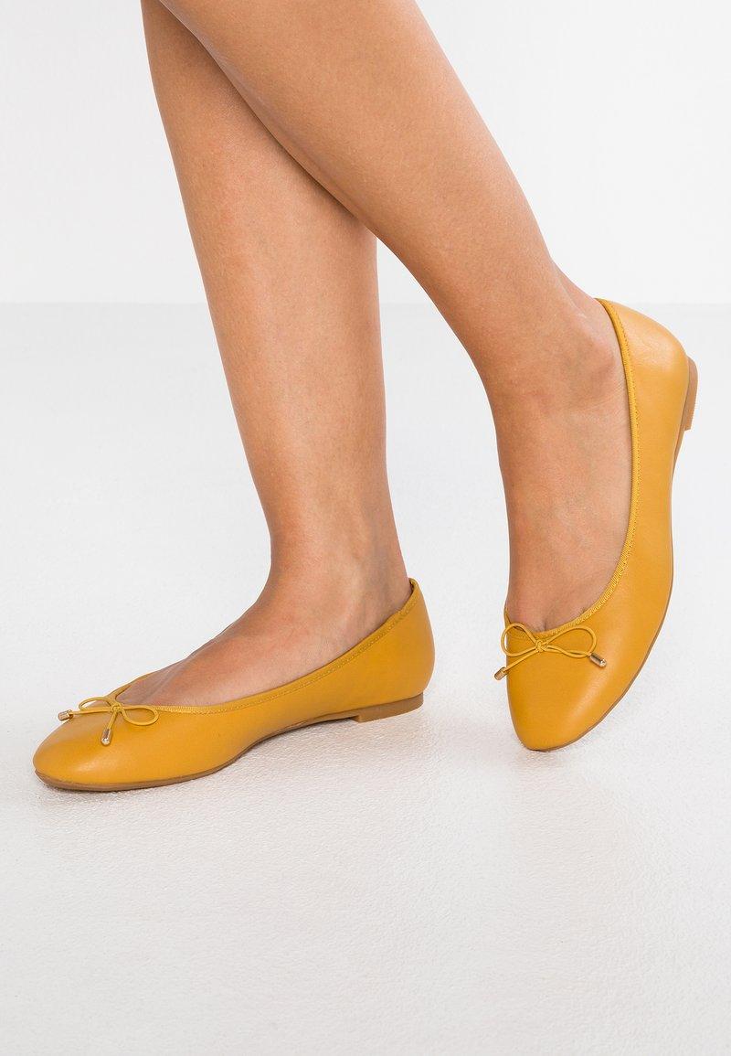 PARFOIS - Ballerines - yellow mustard