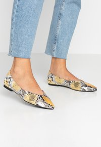 PARFOIS - Ballet pumps - multicolor/yellow - 0