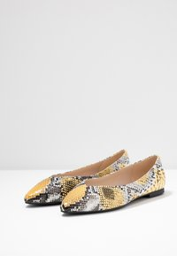 PARFOIS - Ballet pumps - multicolor/yellow